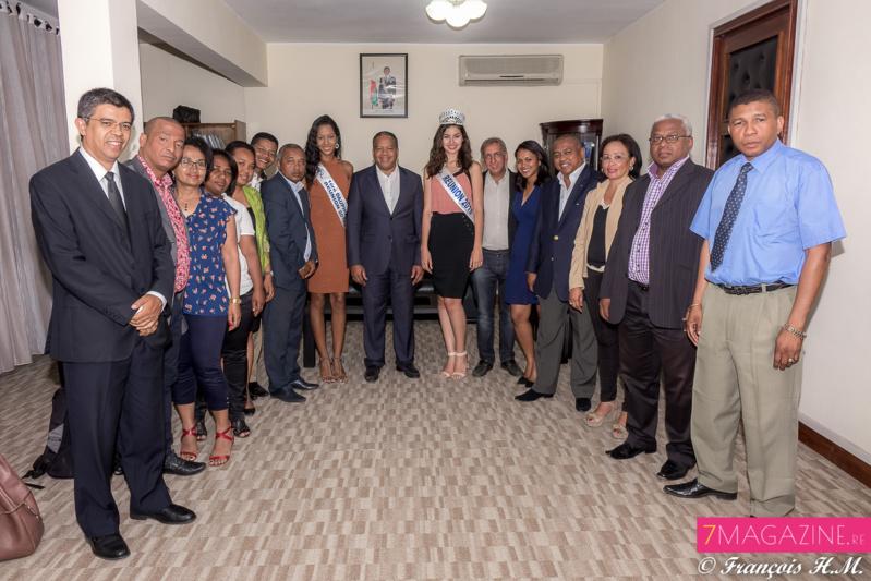 Une photo-souvenir avec le personnel du Ministère du Tourisme de Madagascar