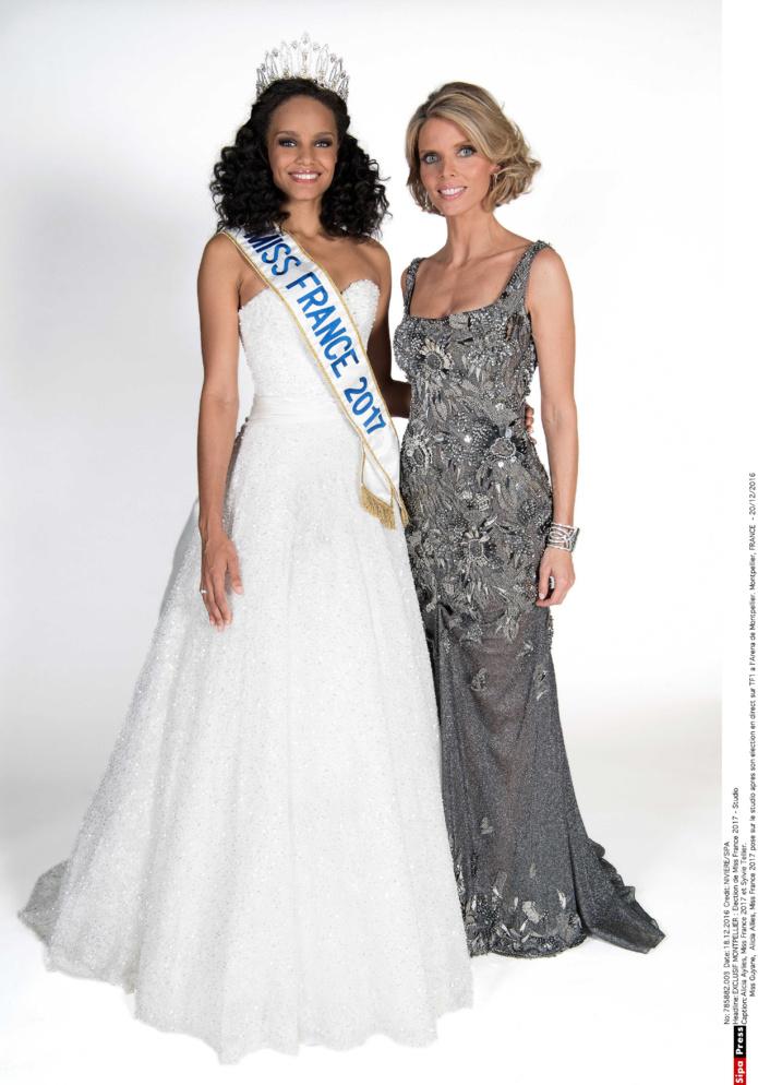 Alicia Aylies, Miss France 2017, et Sylvie Tellier, directrice générale Miss France Organisation (photo David Niviere/Sipa Press)