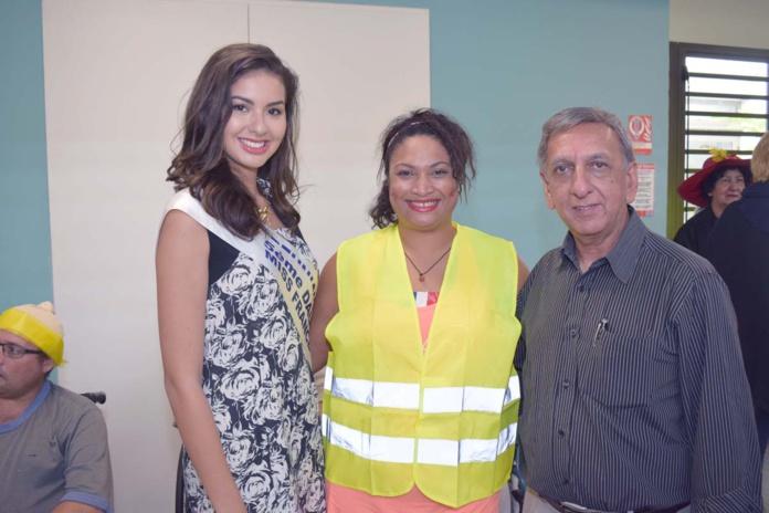 Ambre N'guyen, Magali Puylaurent, qui travaille à l'hôpital (elle a été dauphine de Miss Ronde Réunion 2012), et Aziz Patel