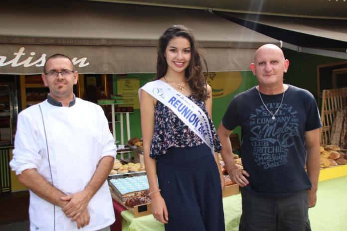 Avec les responsables de la boulangerie-pâtisserie du village