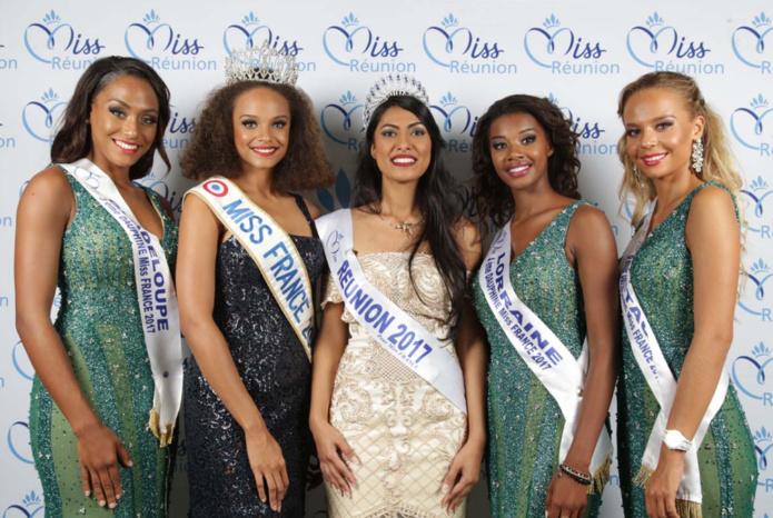 Audrey Chane Pao Kan, Miss Réunion 2017, entourée d'Alicia Aylies, Miss France 2017, et de ses dauphines Morgane Thérésine, 3ème dauphine, Justine Kamara, 4ème dauphine, Maurane Bouazza, Miss Bretagne, 6ème dauphine