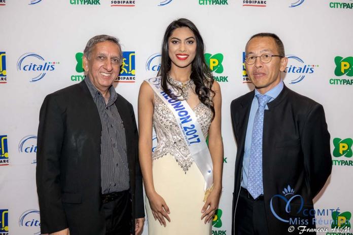 Aziz Patel, délégué Miss France, Audrey Chane Pao Kane, Miss Réunion 2017, et Jean-Jacques Fung