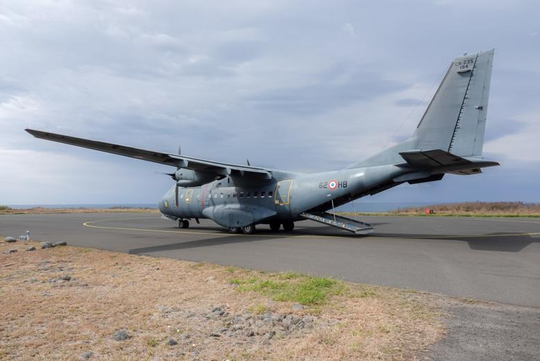 L'avion militaire va décoller...