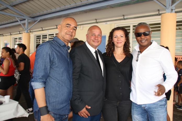Johnny Hospital, Frédéric Figuin, Emma Morel de Roogaï Event, et Jean-Pierre, animateur