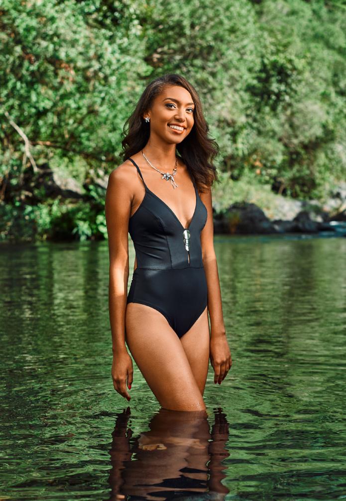 4. Adeline HOARAU - 18 ans, 1,72 m - Saint-Paul