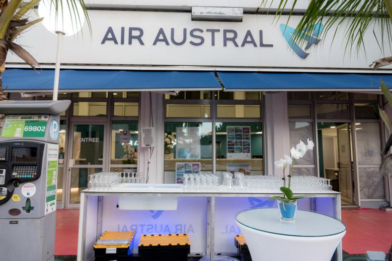 Morgane Lebon à l'inauguration de l'agence rénovée d'Air Austral