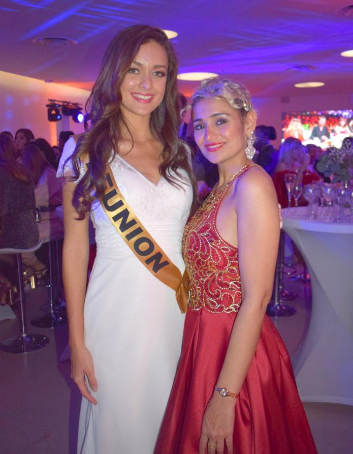 Morgane Lebon a retrouvé avec plaisir Asma Ayrolles, mannequin réunionnaise désormais installée en métropole et venue soutenir Miss Réunion