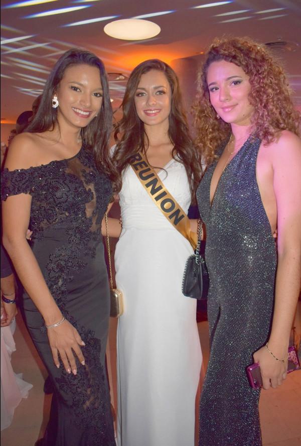 Morgane Lebon, entourée de Morgane Soucramanien, Miss Réunion 2019, et Annabelle Lebreton, 2ème dauphine Miss Réunion 2019, venues toutes deux soutenir Morgane Lebon