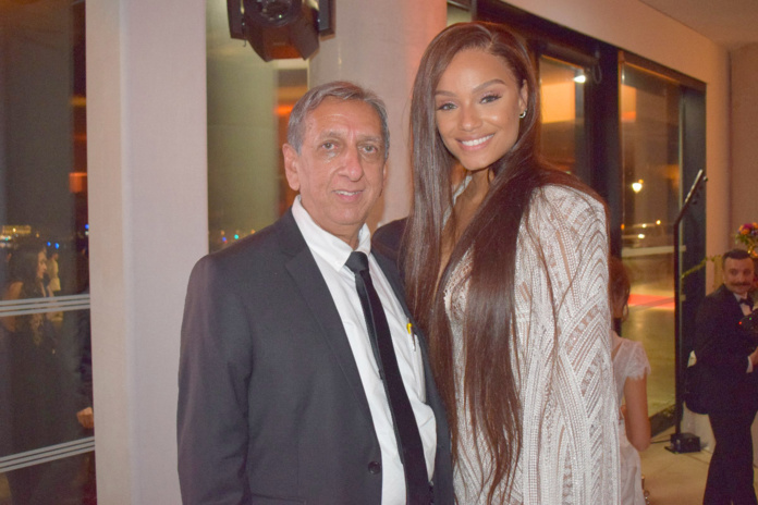 Aziz Patel et Alicia Aylies, Miss France 2017