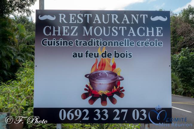 """Halte gourmande """"Chez Moustache"""" à Saint-Philippe pour les candidates 2021"""