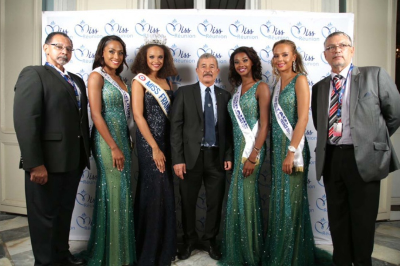 Miss France et ses dauphines avec leur service sécurité: Dominique Fontaine, Jacques Laravine et Pierre Maunier