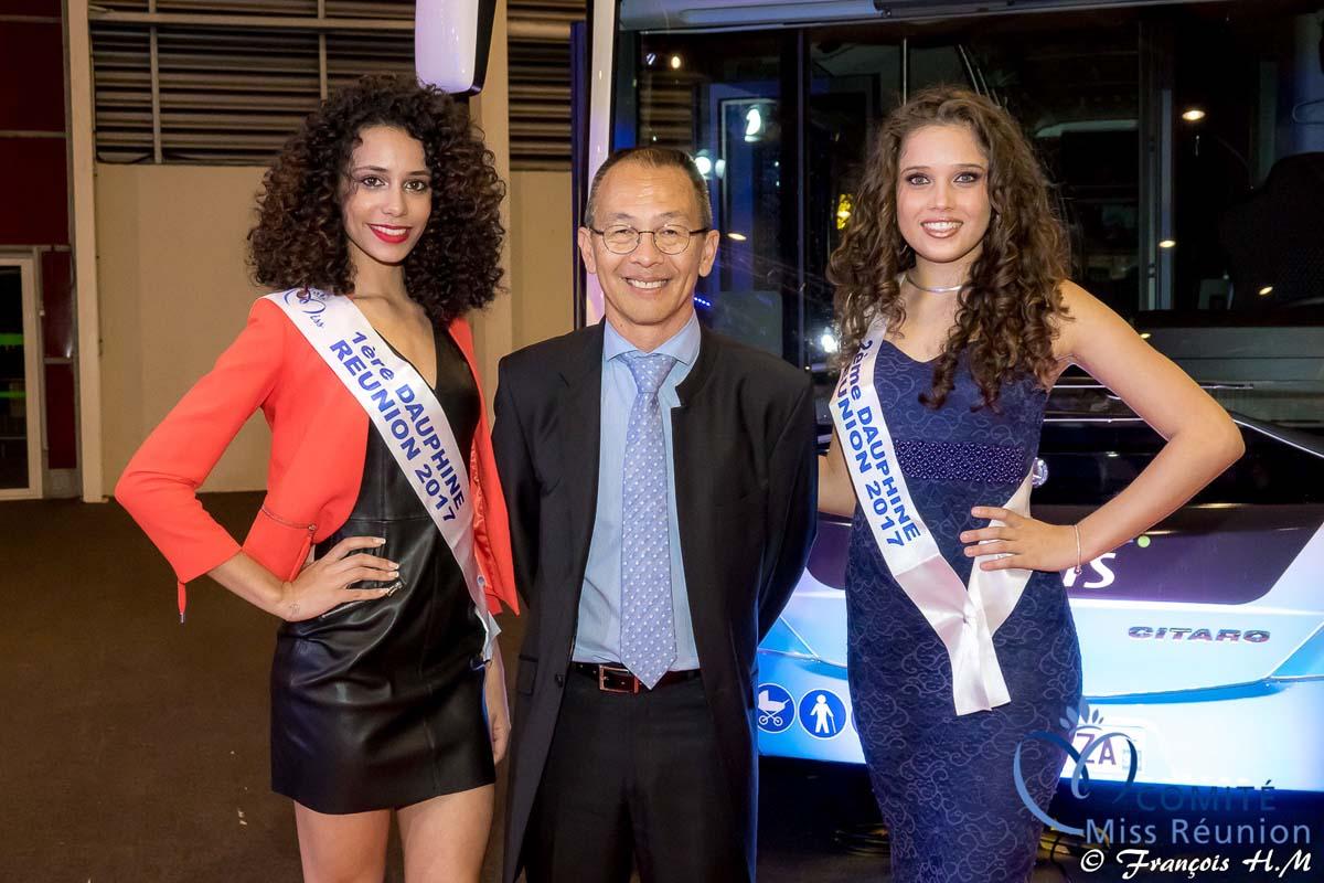 Jean-Jacques Fung, directeur général de la Soidparc, entouré de Lyna Boyer et Lina Françoise, 1ère et 2ème dauphines de Miss Réunion 2017