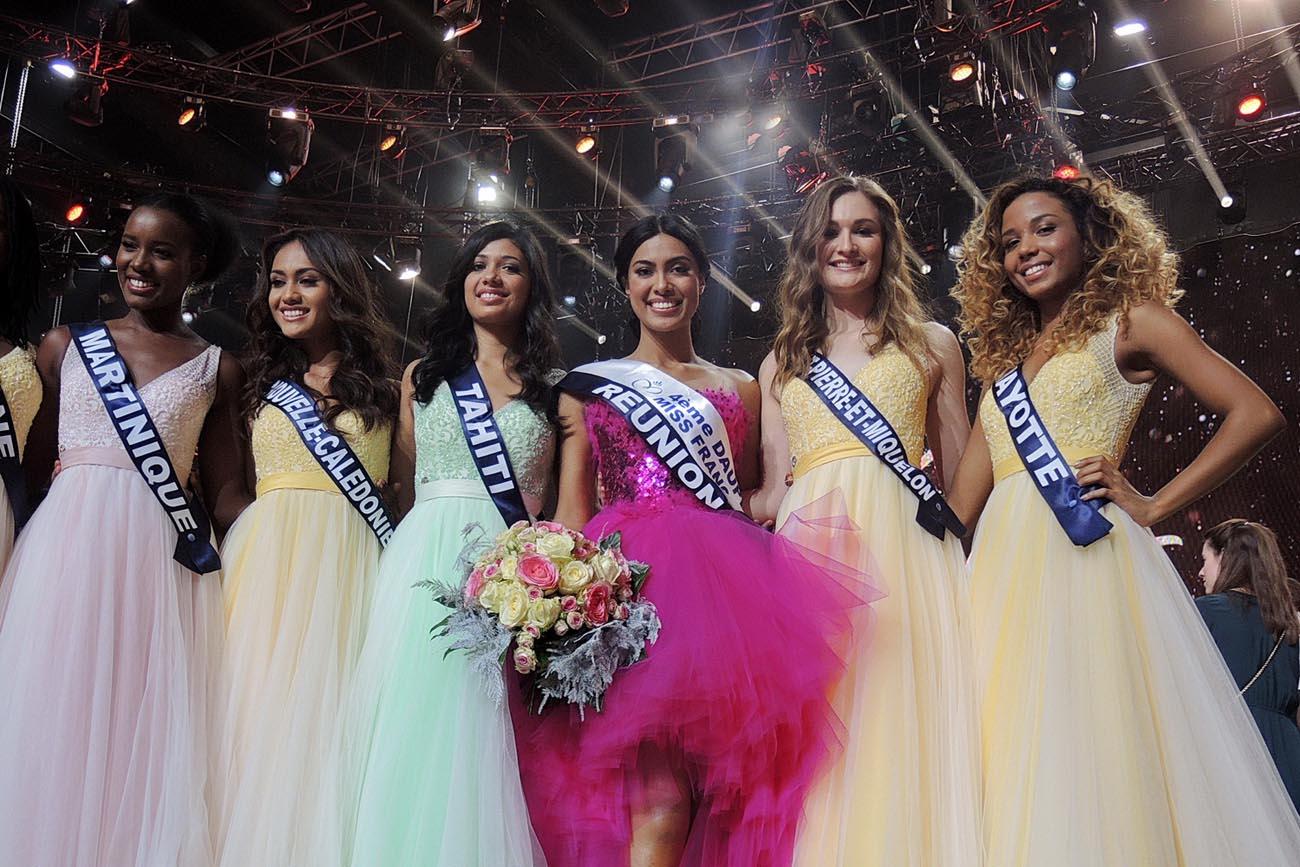 Les Domiennes de l'élection avec Miss Réunion, la seule qui obtient une écharpe de dauphine