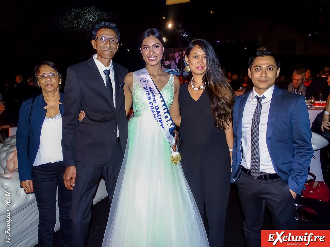 Audrey avec sa famille: sa tante Ginette Chan Pang Fong, son père Christian, sa cousine Françoise Chan Pang Fong, et son cousin Eric Chan Pang Fong