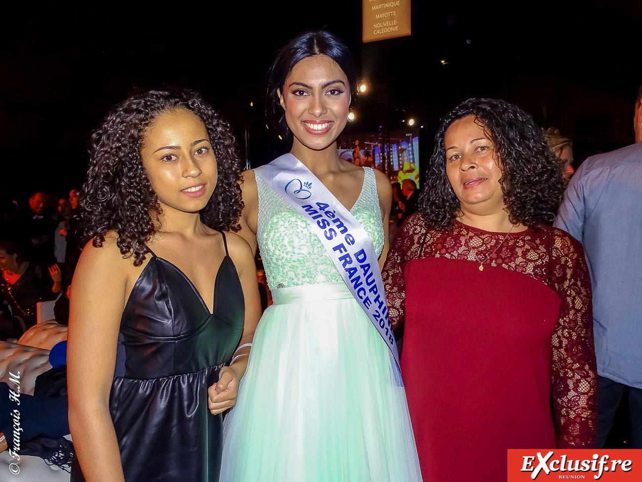 Miss Réunion avec les gagnantes du jeu Antenne Réunion, Fabrina et Carole Calteau