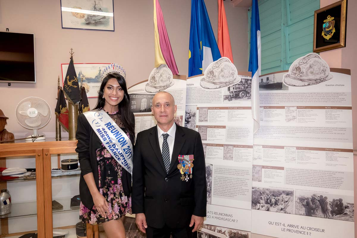Audrey Chane Pao Kan, Miss Réunion 2017 et 4ème dauphine Miss France 2018, et Eric Leveneur, président l'association des Anciens Combattants de la commune