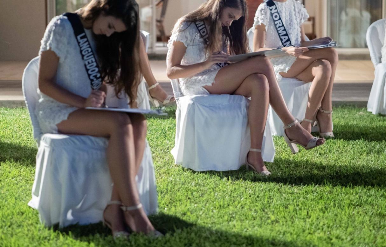C'est dans les jardins de l'hôtel mauricien, face à la mer, dans une ambiance zen, que les candidates ont répondu aux questions (photo Sipa Press)