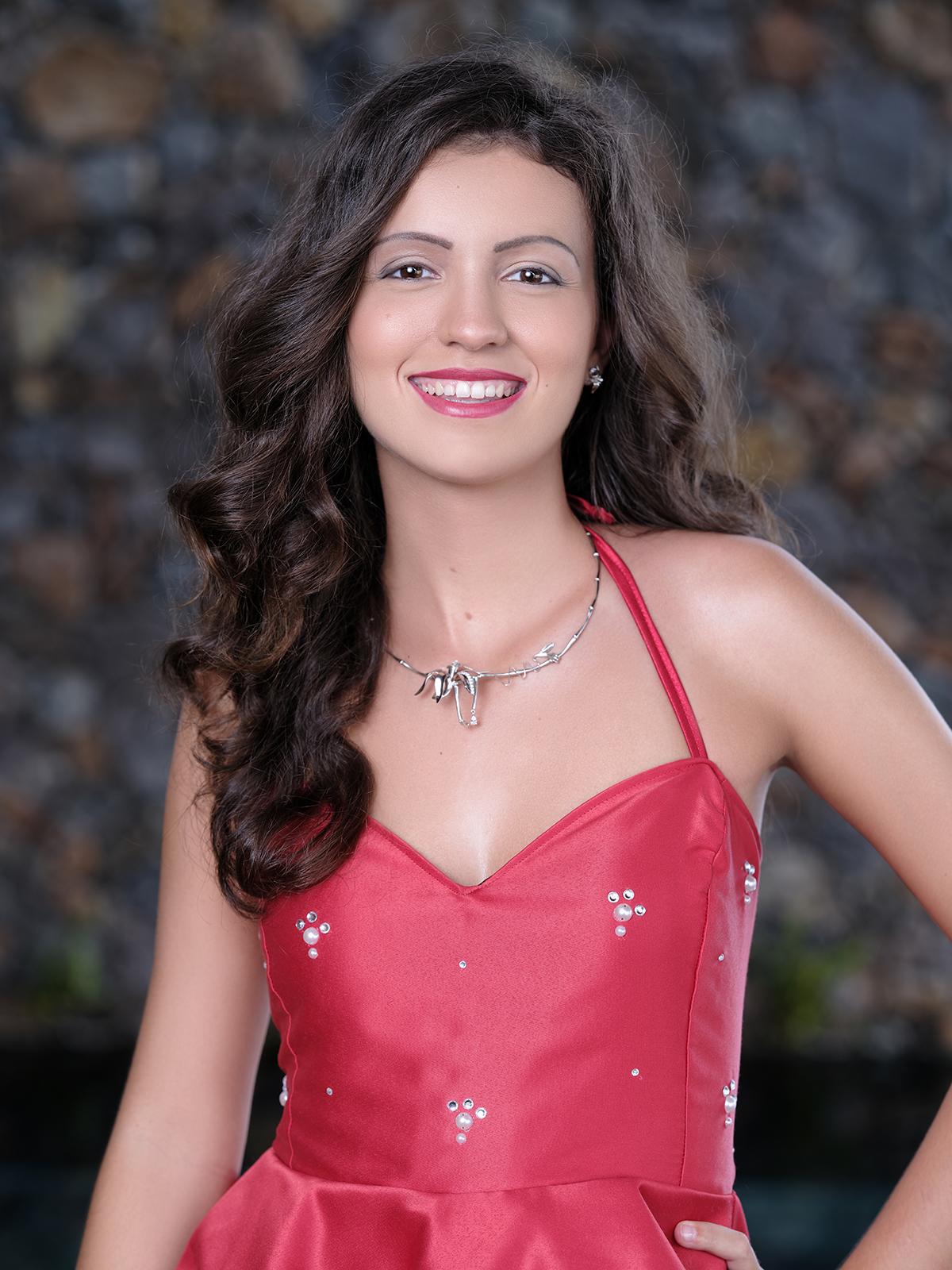 N°9. Laure Hazebrouck - 20 ans, 1,74m - La Possession