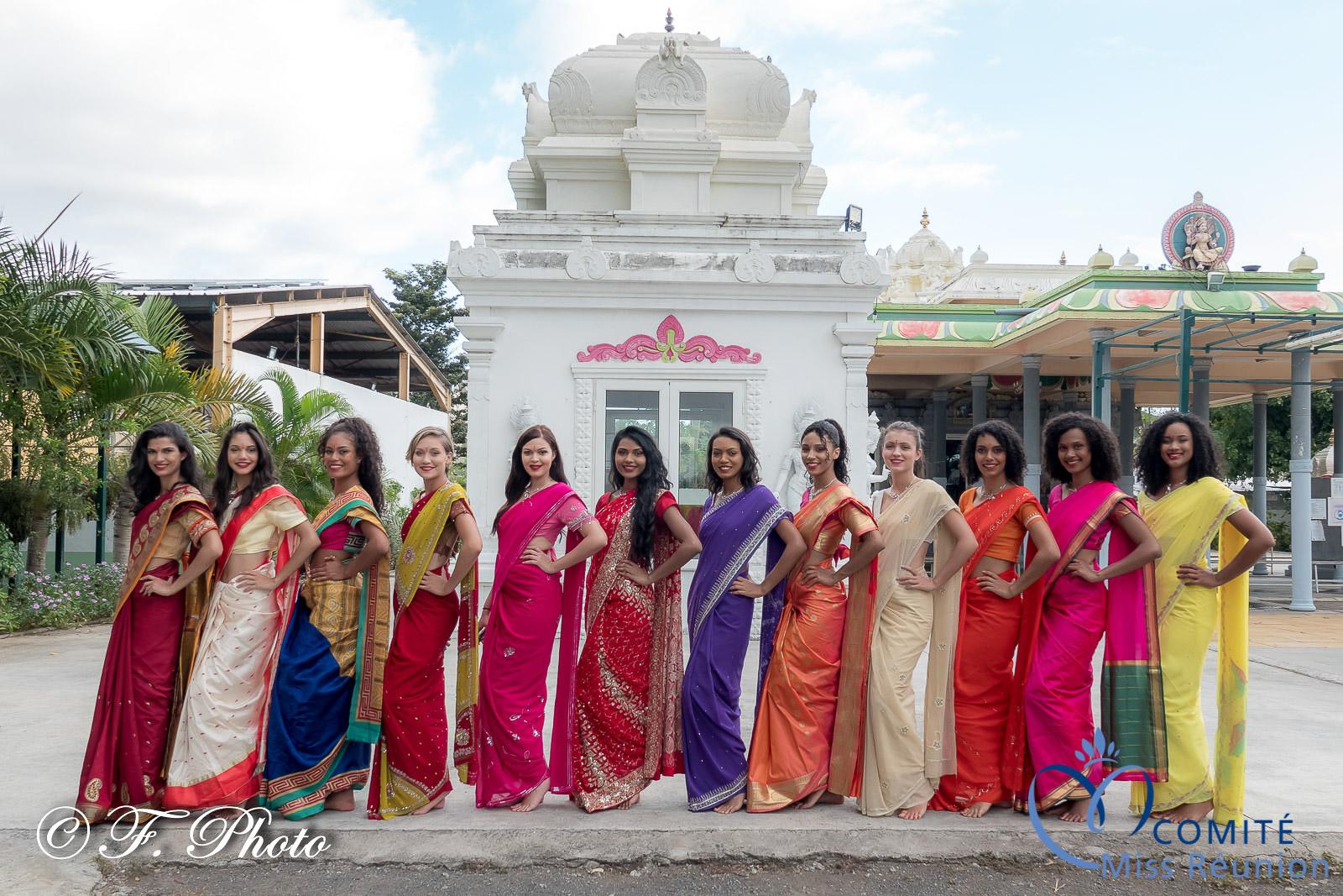 Les 12 candidates Miss Réunion 2021, magnifiques en sari et pieds nus au temple tamoul